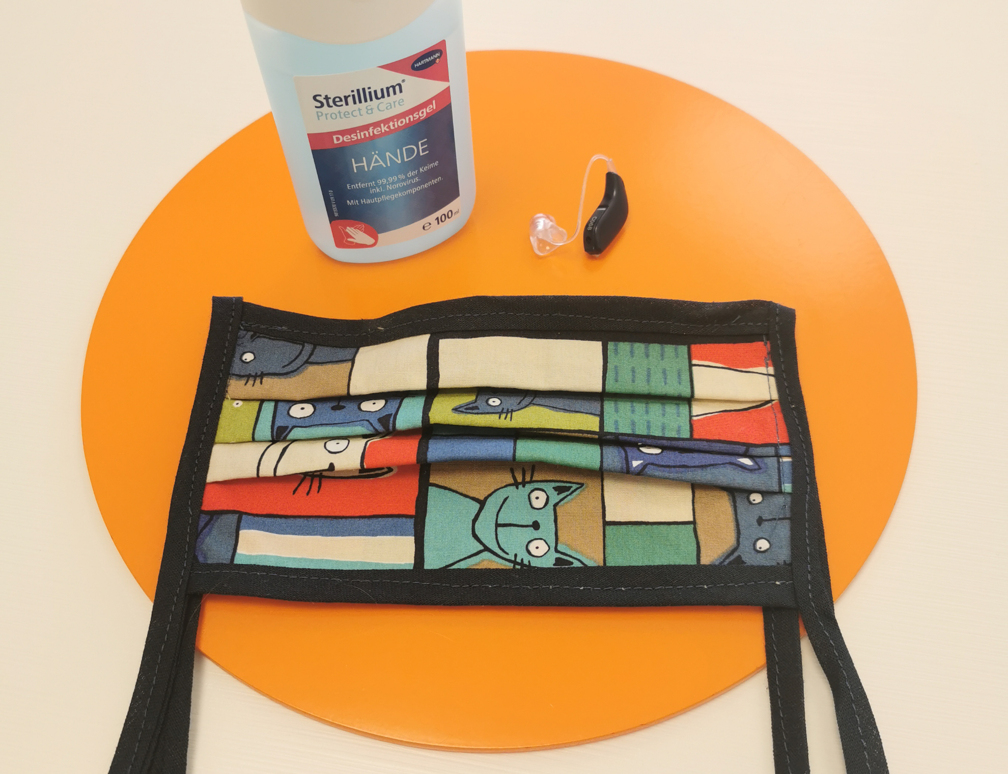 Mundschutz und regelmäßige Desinfektion